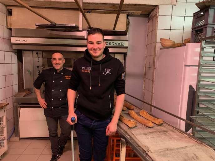 David Herbault, patron de la boulangerie-pâtisserie du Dolmen à La Chapelle-Vendômoise (Loir-etCher) et son employé Alexis Rousseau.