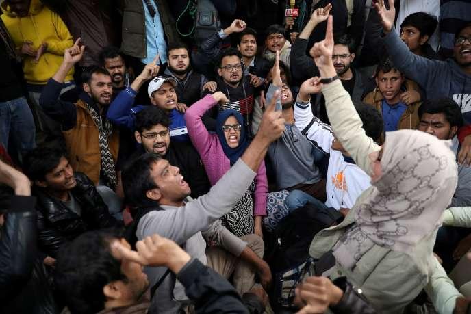 Manifestation d'étudiants de l'universitéJamia Millia Islamia, à New Delhi, le 13 janvier.