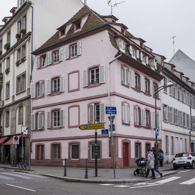 Les appartements vacants de cet immeuble sont remis en location par l'intermédiare de l'association SOS Amitié, à Strasbourg, le 8 janvier.