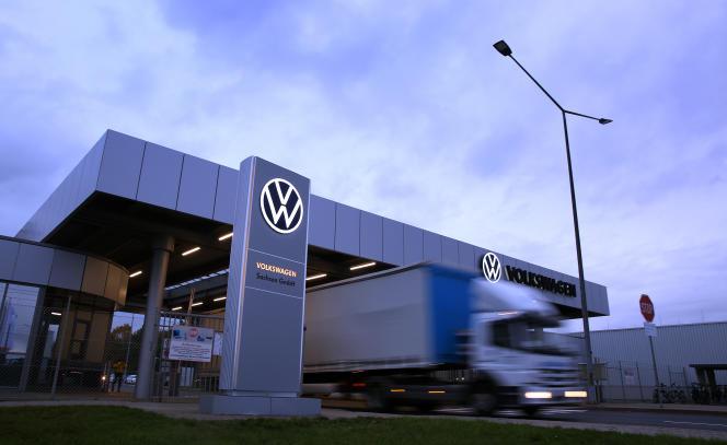 À la sortie d'une usine Volkswagen, à Zwickau (Saxe), dans l'est de l'Allemagne, en novembre 2019.