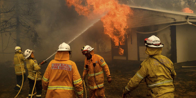 Le gouvernement australien lance une commission d'enquête après des incendies exceptionnels