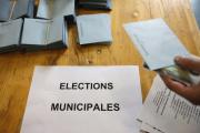 Des bulletins de vote pour une élection municipale.