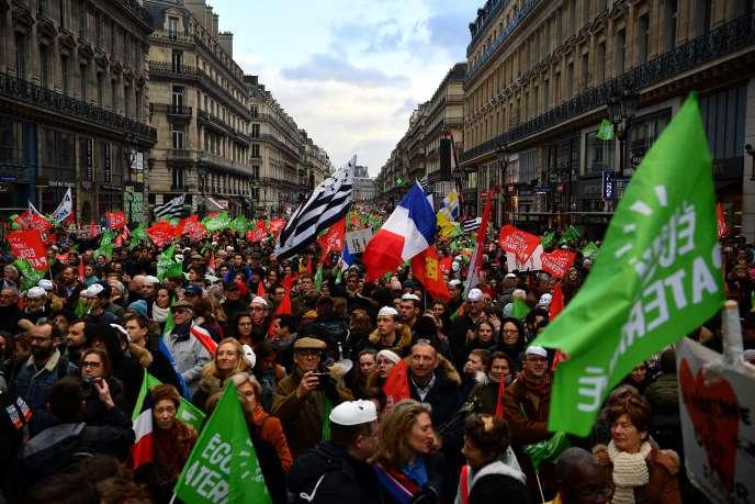 Lors de la manifestation contre le projet de loi de bioéthique organisée à Paris, le 19 janvier.