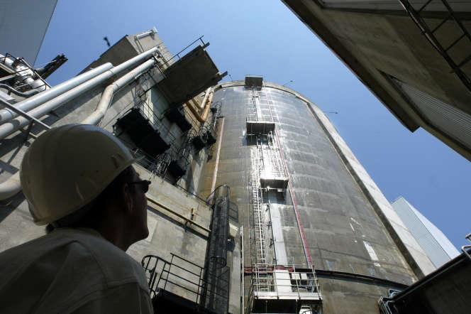 Un réacteur de la centrale nucléaire de Fessenheim, le 4 août 2003.