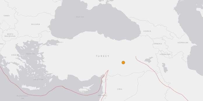 L'est de la Turquie frappé par un séisme meurtrier de magnitude 6,8