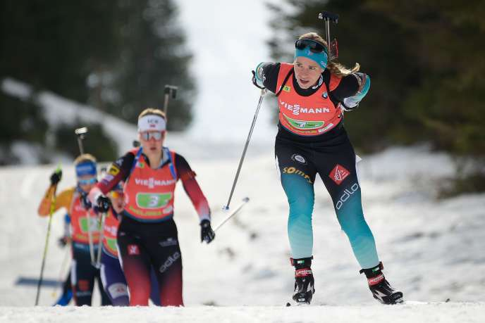Après avoir pris, vendredi, la 3e place lors de l'Individuel, Anaïs Bescond a remporté, samedi le relais simple mixte avec Emilien Jacquelin, à Pokljuka (Slovénie).