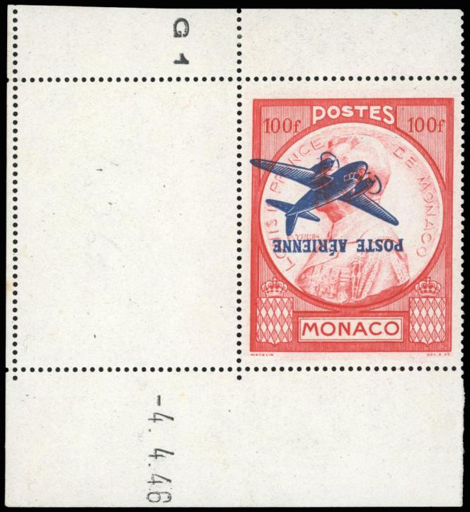 Monaco, poste aérienne, 100 francs rouge, surcharge renversée, coin de feuille et coin daté, à 54500 euros.
