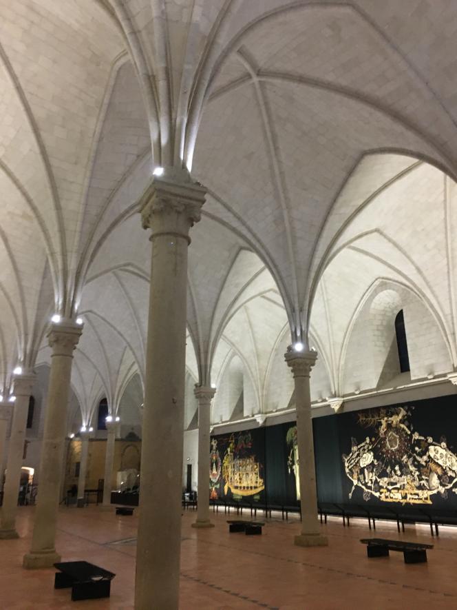 « Le Chant du monde», de Jean Lurçat, ensemble de tapisseries commencé en 1956 et achevé en 1966, après la mort de l'artiste, est exposé dans l'ancienne salle des malades de l'hôpital Saint-Jean d'Angers.