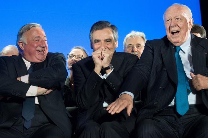 Les Républicains (LR), François Fillon (au centre), Gérard Larcher (à gauche) et Jean-Claude Gaudin, à Marseille, le 11 avril 2017.