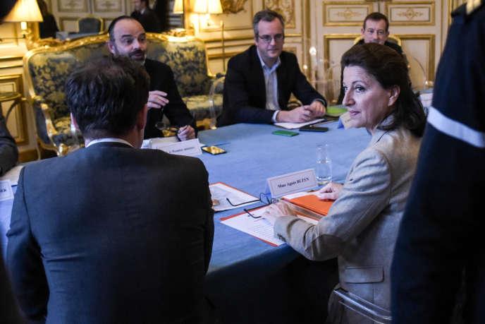 La ministre de la santé Agnès Buzyn en réunion à Matignon, le 26 janvier 2020.