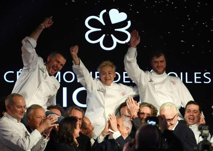 Glenn Viel, Kei Kobayashi et Christopher Coutanceau, lors de la soirée du guide Michelin, à Paris, le 27 janvier.