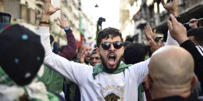 « En Algérie, le référendum est un moyen de prendre la température et de se refaire une virginité »
