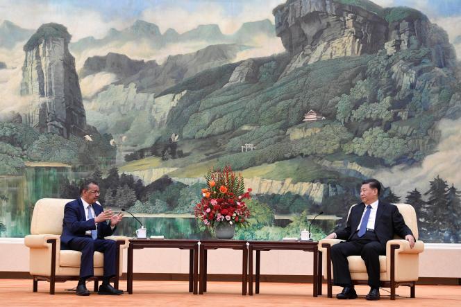 Tedros Adhanom Ghebreyesus, directeur général de l'Organisation mondiale de la santé, et le président chinois Xi Jinping, le 28 janvier à Pékin.