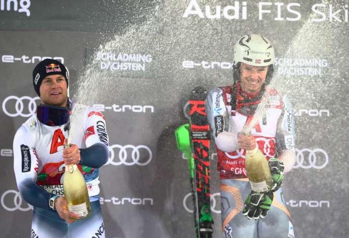 Alexis Pinturault (à gauche), deuxième du slalom de Schladming, et Henrik Kristoffersen, vainqueur de la course, le 28 janvier, en Autriche.