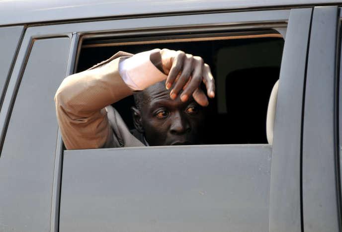 Amadou Sanogo arrive à son procès à Sikasso, au Mali, le 30novembre 2016.
