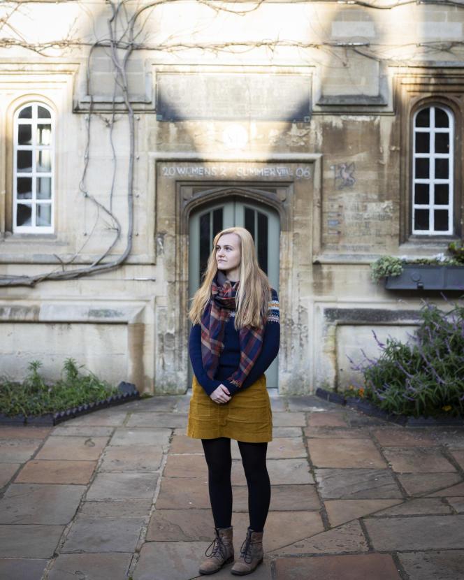 Antoinette Cowling, à Oxford, le 20 janvier. Bien qu'elle souhaite rester en Europe, l'étudiante de 22 ans est soulagée que le pays avance enfin, à la suite de l'élection de Boris Johnson.