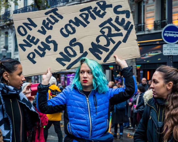 Marguerite Stern lors d'une marche organisée par le collectif #NousToutes, à Paris, le 23novembre 2019.