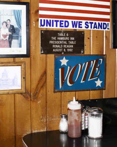 La table 6 où Ronald Reagan s'est assis le 8 août 1992, à Iowa City.