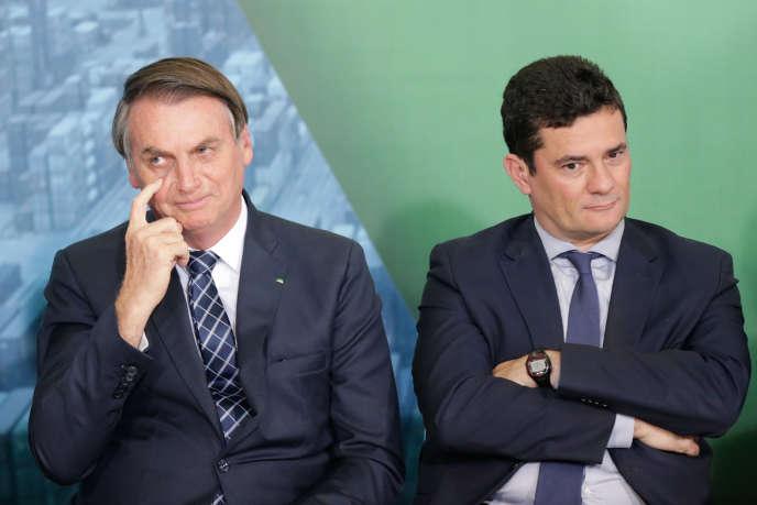 Le président brésilien, Jair Bolsonaro, et son ministre de la justice, Sergio Moro, le 18 décembre 2019 à Brasilia.