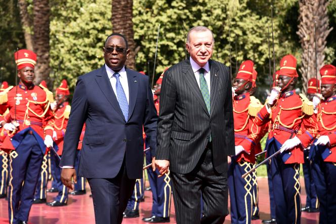 Les présidents Maky Sall (Sénégal) et Recep Tayyip Erdogan (Turquie), à Dakar, le 28janvier 2020.