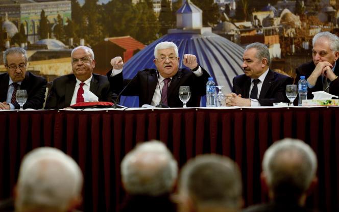 Le président palestinien Mahmoud Abbas prend la parole après une réunion des dirigeants palestiniens dans la ville cisjordanienne de Ramallah, le 22 janvier.