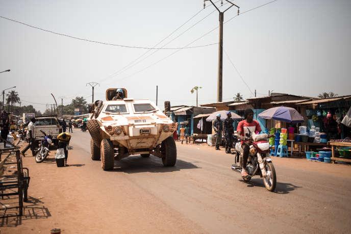 Une patrouille de la Minusca dans le quartier à majorité musulmane du PK5, à Bangui, le 7 janvier 2020.