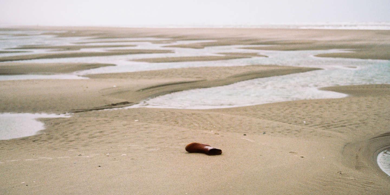 Plage du Touquet, où le corps d'un migrant a été récemment retrouvé. — (Retour sur les traces de quatre migrants récemments retrouvés noyés sur les plages du nord de la France, après avoir tenté de rejoindre l'Angleterre.)