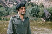 L'acteur égyptien Omar Sharif incarne un Che Guevara plus gravure de mode que leader révolutionnaire.