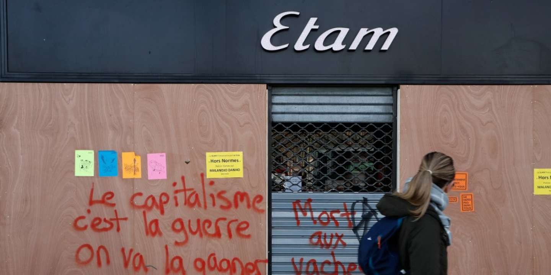 Avec les grèves, les commerces parisiens font grise mine