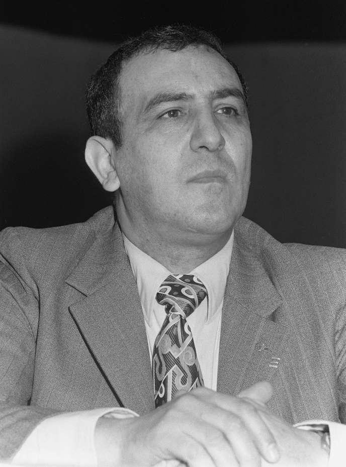 Roger Holeindre, le 18 janvier 1973, à Paris, lors d'un meeting du Front national, peu de temps après sa création.