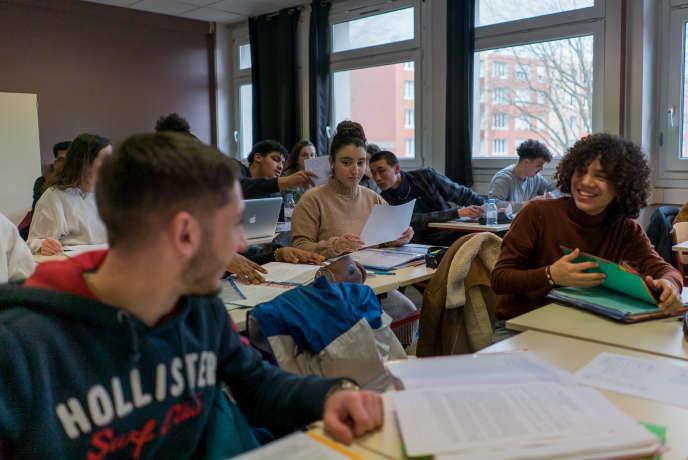 La classe préparatoire aux grandes écoles, réservée aux élèves de STMG au Lycée des Bruyères à Sotteville-lès-Rouen, le 23 janvier 2020.