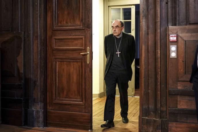 Le cardinal Philippe Barbarin à son arrivée à une conférence de presse après son aquittement par la cour d'appel de Lyon, le 30 janvier.