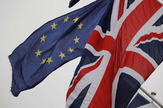 «Le Royaume-Uni est officiellement sorti de l'UE le 1er février, mais les relations commerciales ne changeront que le 1er janvier 2021, à la fin de la période de transition, dans des conditions qui demeurent en cours de négociation.»