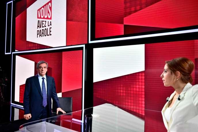 Francois Fillon face à Léa Salamé, sur le plateau de France 2, le 30 janvier.