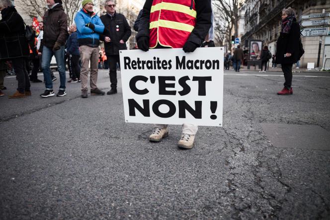 Un manifestant à Paris, le 29 janvier.