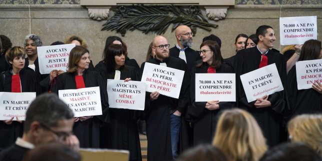 Après un mois de grève, les avocats votent la poursuite de leur mouvement contre la réforme des retraites