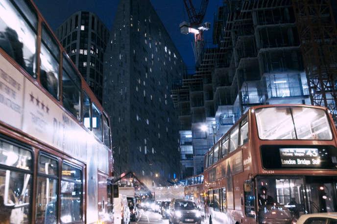 A Londres, comme dans d'autres grandes villes, « les salaires stagnent, les logements deviennent de plus en plus inabordables ».