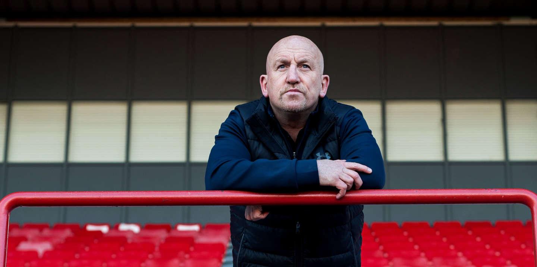 Portrait de Shaun Edwards, figure majeur du rugby anglo saxon pour son expertise, et entraineur de la défense du XV de France. Toulouse, le 15 janvier 2020