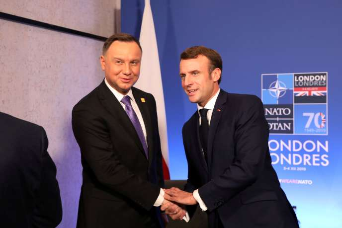 Emmanuel Macron et le président polonais Andrzej Duda, lors du sommet de l'OTAN à Watford (Royaume-Uni), le 4 décembre 2019.