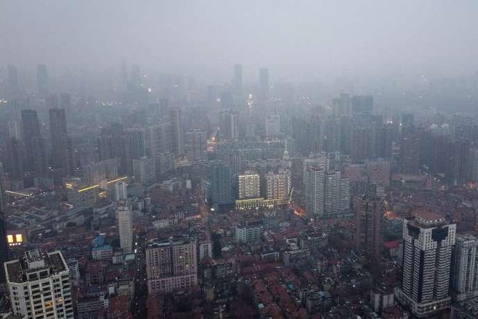 Une vue aérienne de la zone résidentielle et commerciale de Wuhan, province de Hubei le 27 Janvier.