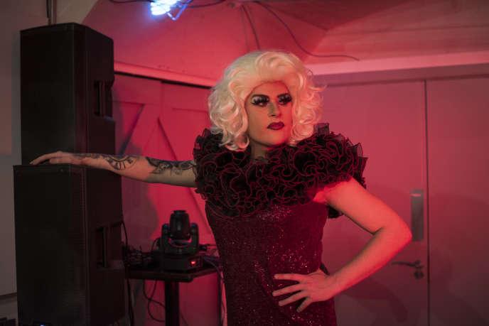 Tom Ogden, une drag queen de 25 ans, à Stoke-on-Trent, en Angleterre, le 31 janvier.