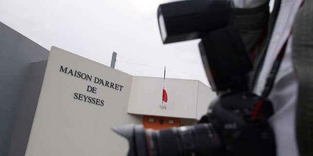 A la prison de Toulouse-Seysses, 23 heures sur 24, à trois dans une cellule