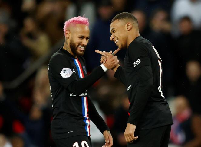 Neymar et Mbappé lors du match face à Montpellier, le 1er février.