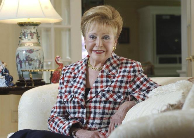 Mary Higgins Clark chez elle dans l'état du New Jersey, aux Etats-Unis, en 2004.