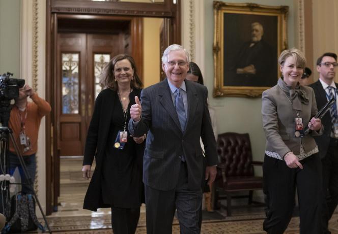 Le chef de la majorité au Sénat,Mitch McConnell, après le vote contre la perspective d'entendre des témoins, à Washington, le 31 janvier.
