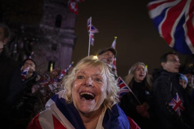 Les partisans de Nigel Farage et de sa formation, le Parti du Brexit, se rassemblent sur la place du Parlement, à Londres, le 31janvier.