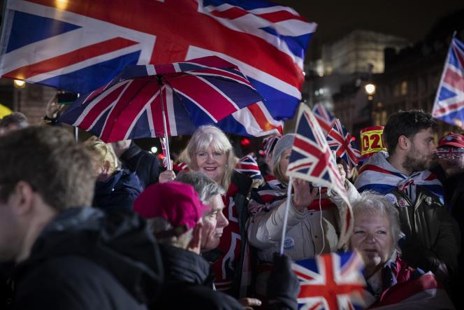 Les partisans de Nigel Farage et de son parti Brexit se rassemblent sur la place du Parlement, à Londres le 20 janvier.
