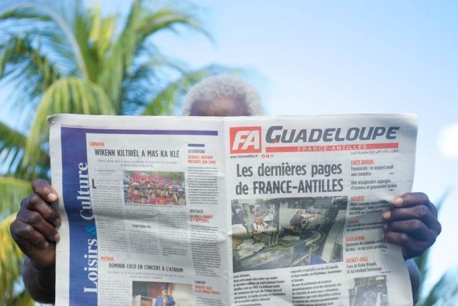 La« une» de «France-Antilles» du jeudi 30 janvier annonçant l'arrêt du journal.