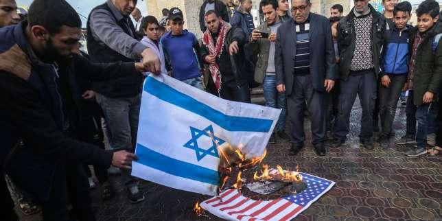 Israël bombarde la bande de Gaza après des lancements de ballons incendiaires