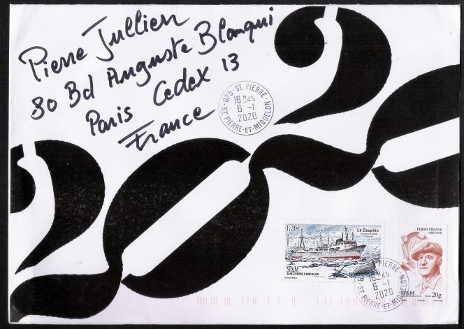 Une enveloppe estampillée (au verso)« Mail art» de Patrick Dérible.